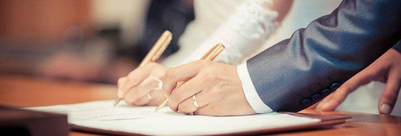Une assurance mariage couvre de nombreux risques.